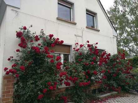 Freistehendes EFH mit schönem Garten