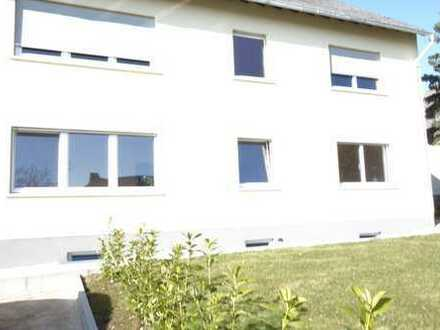 Attraktive, modernisierte 4-Zimmer-EG-Wohnung in Tellig von privat zu vermieten