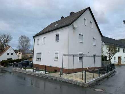 Gepflegtes Einfamilienhaus mit kleinem Garten und viel Platz für Familie oder als Renditeobjekt
