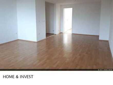 **Geräumige und moderne 3-Raum im Südostviertel** WG geeignet