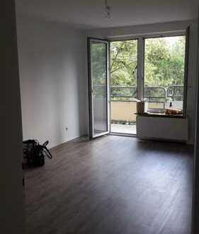 Geräumige 3 Zimmer Wohnung, 70 m2, mit zwei Balkonen im Herzen Stuttgarts