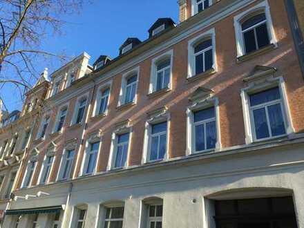Dachgeschoß mit großem Balkon am hinteren Kaßberg