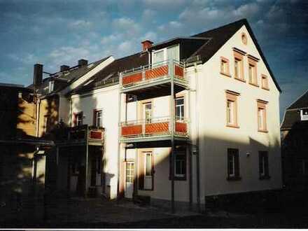 Hochwertig sanierte 3-Raum-Dachgeschosswohnung in Chemnitz-Adelsberg.