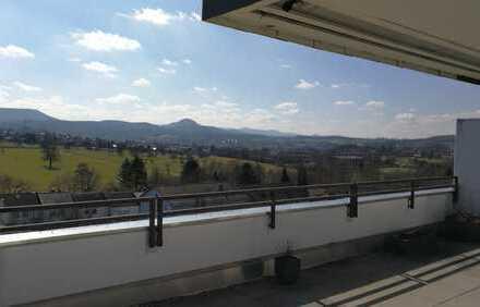 Traumhafte, sonnige 3-Zimmer Penthousewohnung mit 80qm Dachterrasse und überdachtem Stellplatz