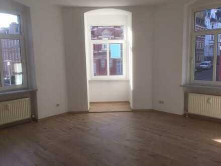 Neu saniert & bezahlbar - 3 Zimmer-Wohnung im Zentrum!