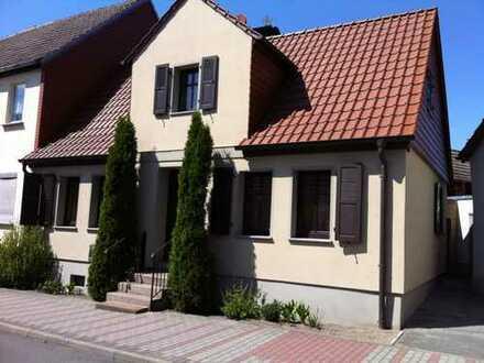 Hochwertiges EFH mit großem Grundstück Mitten in Möckern zu vermieten
