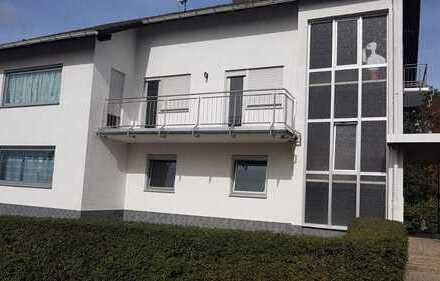 850 €, 120 m², 4 Zimmer, 2 Balkone, 1. OG, 5 min zur Autobahn