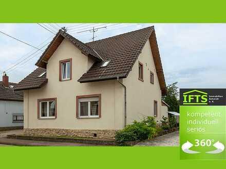 Eine sichere Entscheidung. Großes Haus, sehr gute Lage, Garten, Terrasse, EBK, Doppelgarage.