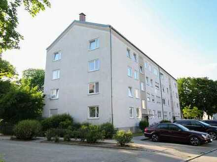 Renovierte 3-Zi.-Whg. mit Balkon und Stellplatz in zentraler Lage - Sofort bezugsfrei!