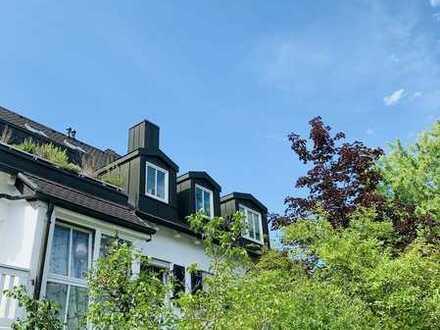 Charmante 2-Zimmer-Dachterrassen-Wohnung mit Galerie Waldtrudering