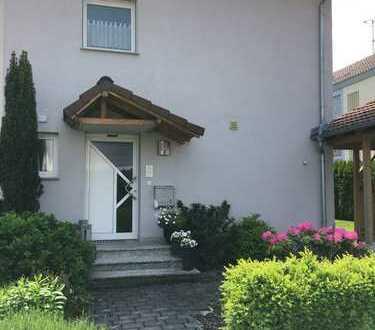 Helle Doppelhaushälfte mit Garten und hohem Freizeitwert