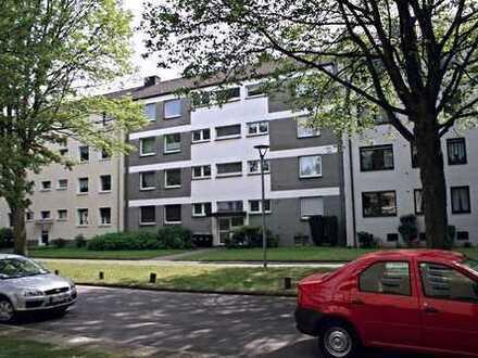 Helle 2-Zimmer-Wohnung mit Balkon!!! Ruhiges Wohnen in grüner Lage!
