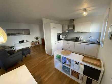 ***Moderne 2 Zi.-Wohnung im EG mit EBK und 2 Terrassen in S-Gerlingen***