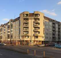 intelligent geschnittene 4 Zimmer Wohnung mit Balkon!