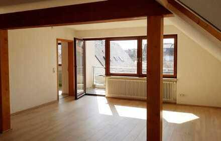 Schöne 3-Zimmer-Dachgeschosswohnung mit Balkon in Langenau
