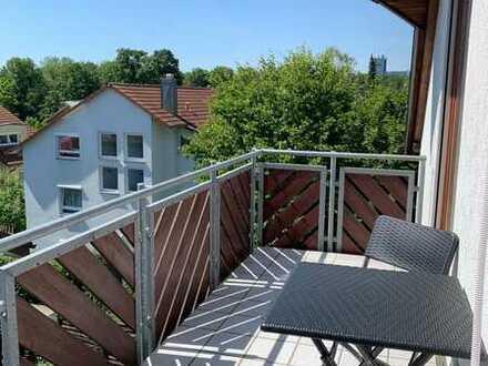 Sonnige 2-Zimmer-DG-Wohnung, teilmöbeliert mit Südbalkon und neuer Einbauküche, Stuttgart, Dachswald