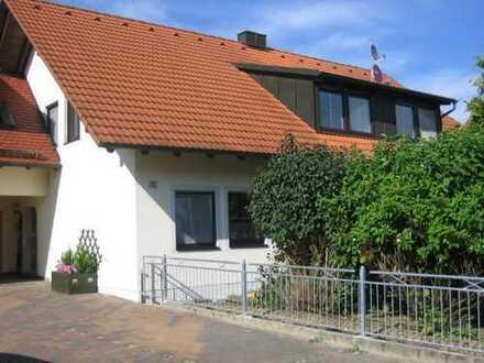 Herrliche 3,5 Zimmer Wohnung mit EBK und großem Balkon