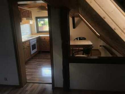 Günstige 1,5-Zimmer-Dachgeschosswohnung mit EBK in Schlüchtern