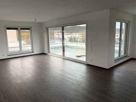 4,5Zi Penthouse-Wohnung mit Dachterrasse und Blick über Weinsberg