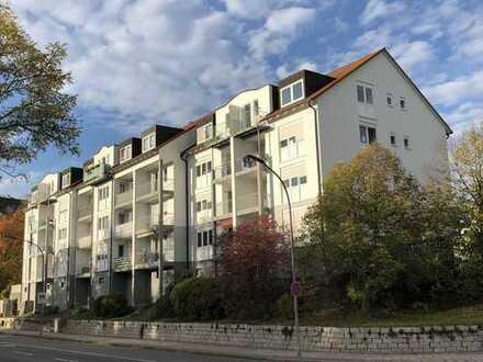 Sehr ansprechende 3-Zimmer-Dachgeschosswohnung mit sonnigem Balkon - ab 1. April 2020