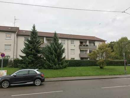 Geräumige, helle 2,5 Zimmer Wohnung mit Tageslichtbad in Stuttgart-Rot