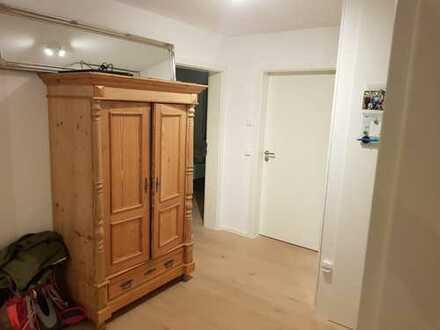 Neuwertige 3,5-Zimmer-Wohnung mit Balkon und EBK in Altdorf