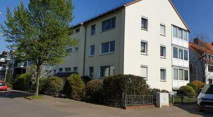 Ansprechende barrierefreie 2-Zimmer-Hochparterre-Wohnung mit Balkon und EBK in Bremen