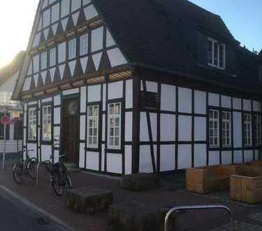 Freundliche 4,5Zimmer-DG-Wohnung mit Dachterasse und Einbauküche in Burgdorf