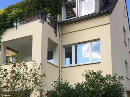 Neuwertige, ruhige 2,5-Zimmer-Wohnung mit Balkon und Einbauküche in Paderborn