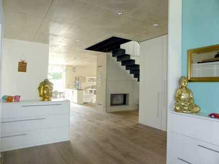 Extravagantes Designer-Niedrigenergiehaus mit ca. 200 m² ELW für Büro im Landkreis Dillingen