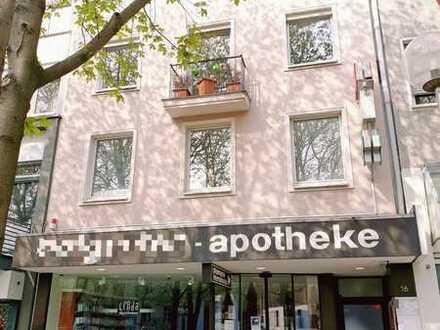 Lukratives Geschäftshaus mit Apotheke, 3 Arztpraxen und 2 Wohnungen