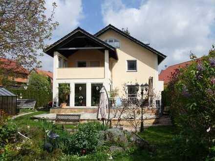 Sehr großzügiges schönes Einfamilienhaus in Dünzelbach