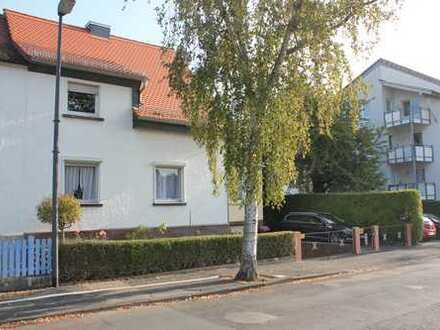Schöne, gepflegte Doppelhaushälfte in Steinbach / Taunus
