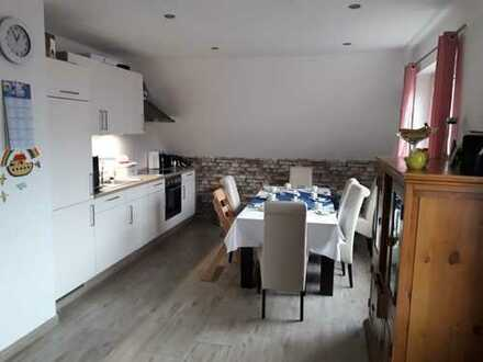 Sanierte 3-Zimmer-DG-Wohnung mit EBK in Bethen