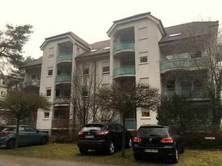 Gepflegte sonnige 2-Zimmer-Wohnung mit Balkon und EBK in Sandhausen am Waldrand