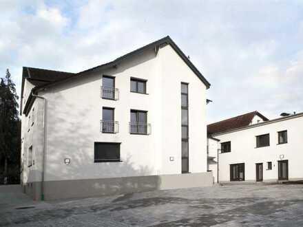 Highlight: lichtdurchflutete, offen gestaltete Studio-Wohnung im DG, Erstbezug, provisionsfrei!