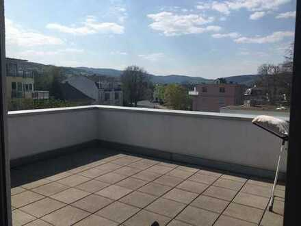 Sonne pur genießen - 2-Zimmer-Mietwohnung mit großer Dachterrasse