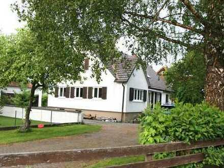 Einfamilienhaus renoviert mit Einbauküche und Garten in ländlicher Gegend