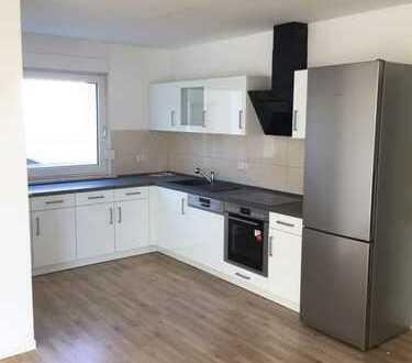 Schöne Wohnung, 1. Og/DG., mit neuer Küche, Wellinghofen