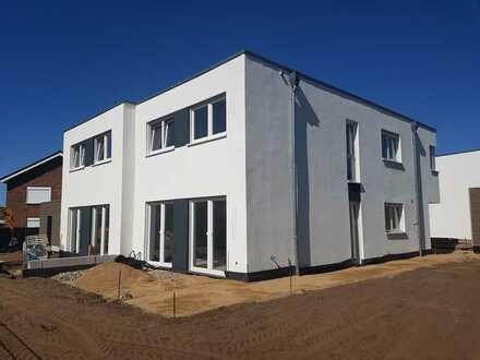 Moderne Doppelhaushälfte - NEUBAU -