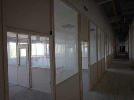Büro-, Sozial- und Lagerfläche im Obergeschoss einer Lagerimmobilie in Halle/Peißen