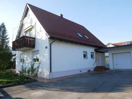 helles und gepflegtes Haus mit 840 m² Grundstück nähe B17 in ruhiger Lage