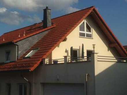 Schöne, geräumige fünf Zimmer Wohnung in Main-Taunus-Kreis, Hofheim am Taunus