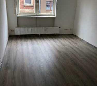 Kleine Wohnung in der Glauchauer Oberstadt***neu renoviert***
