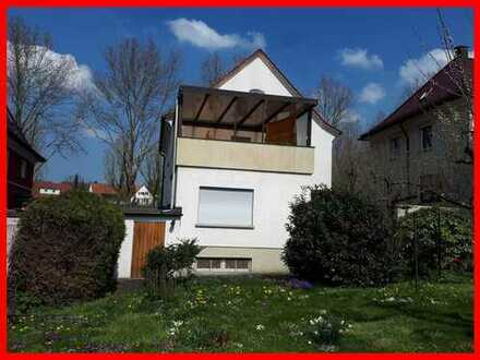 Einfamilienhaus mit sonnigem Garten in ruhiger, bevorzugter und vorteilhafter Stadtlage