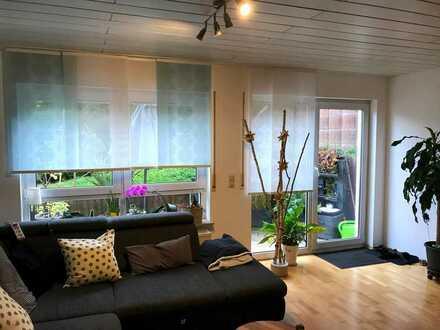 2,5 Zimmerwohnung 87.0 m², mit Einbauküche, Abstellraum und kleinem Garten