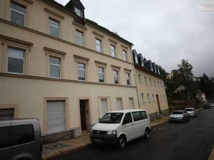 Schicke Dachgeschosswohnung in Ortsrandlage von Annaberg!