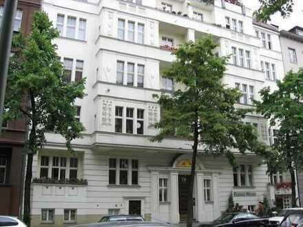 Dachgeschoß -mit Aufzug- elegantem Stuckaltbau nahe Rathaus Schöneberg- Nr. 15 gute Kapitalanlage !