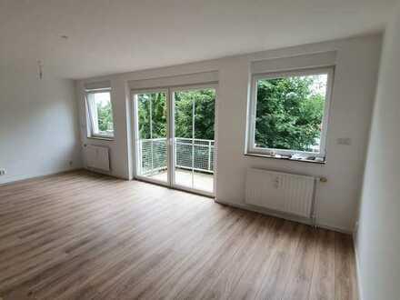 Erstbezug nach Sanierung mit Einbauküche und Balkon: exklusive 1-Zimmer-Wohnung in Motzen
