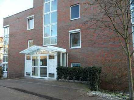 Altersgerechte, gepflegte 2-Zimmer-Wohnung mit Balkon und EBK in ruhiger Zentrumslage von Buchholz